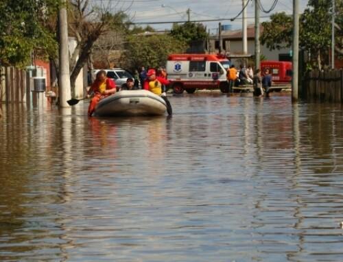 Saiba como agir em caso de enchente