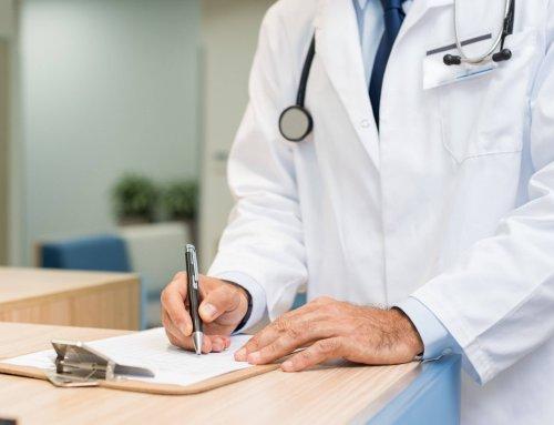 Erro médico e ações judiciais: quais cuidados o profissional precisa ter na prática clínica